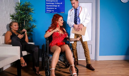 Redhead mommy with big ass is chicken rolls and cums from sex with a doctor