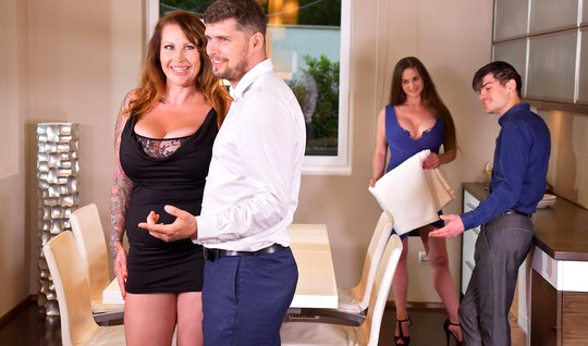 Mature men swap wives and cum outside from swinger gangbang