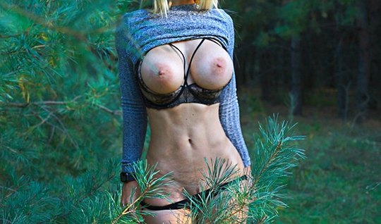 Slim girl in nature shines in front of a dicky friend with big cool milkings