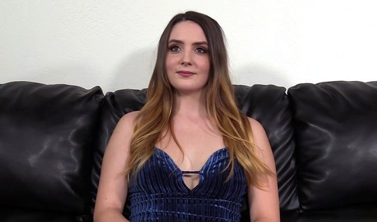 Casting agent promoted a young actress for a long vaginal sex